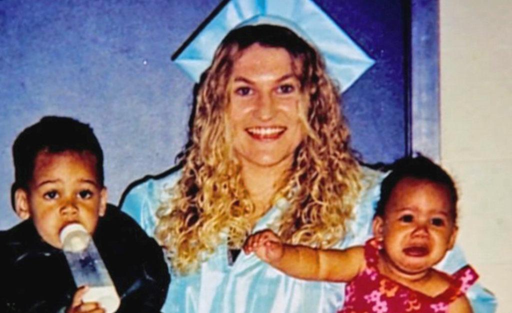 Не рожденная женщина оказалась матерью 3-х детей