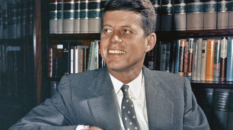 """Заболевание Кеннеди """"наградило"""" его характерными чертами лица и золотистым цветом кожи"""